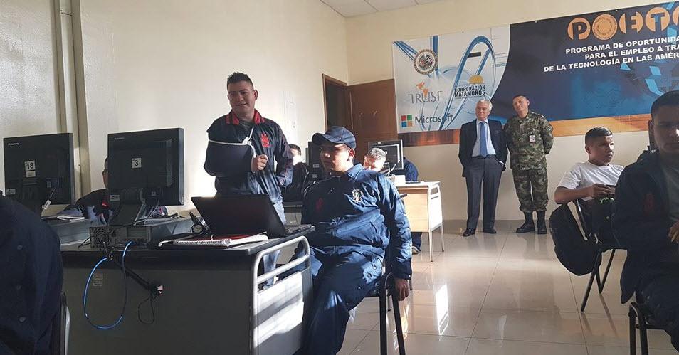 Colombia-Integra visita del Embajador de España
