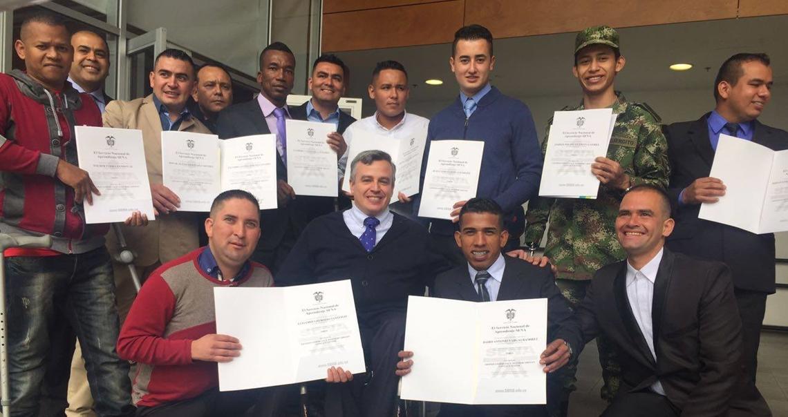 graduación de exmilitares con discapacidad en Colombia