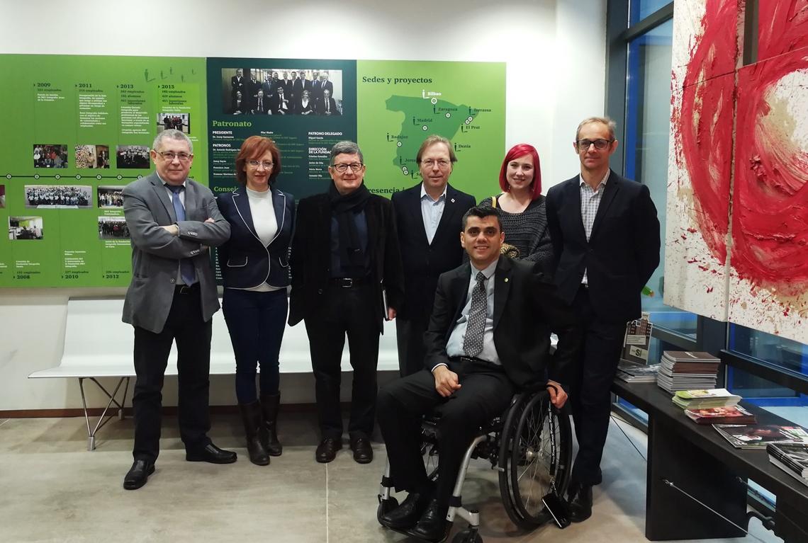 el alcalde de El Prat visita el centro especial de empleo de Integralia