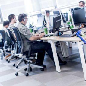 Trabajadores de Integralia en el centro de Zaragoza