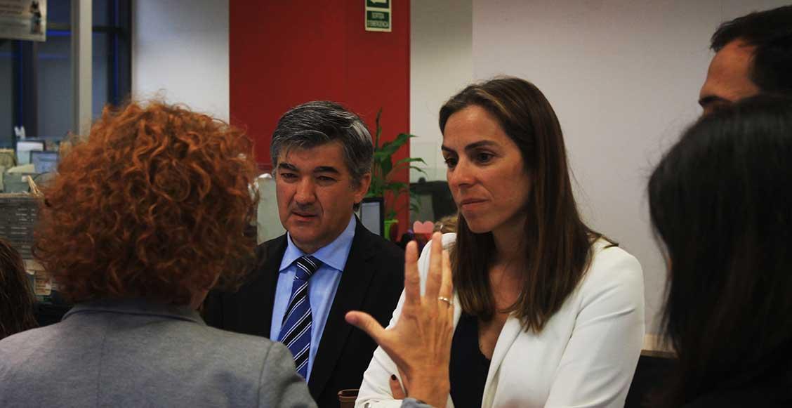 Ana Belén Fernández explicando el servicio