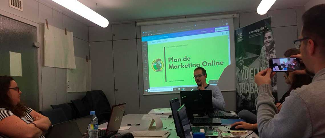 Desarrollo del curso de Marketing Digital