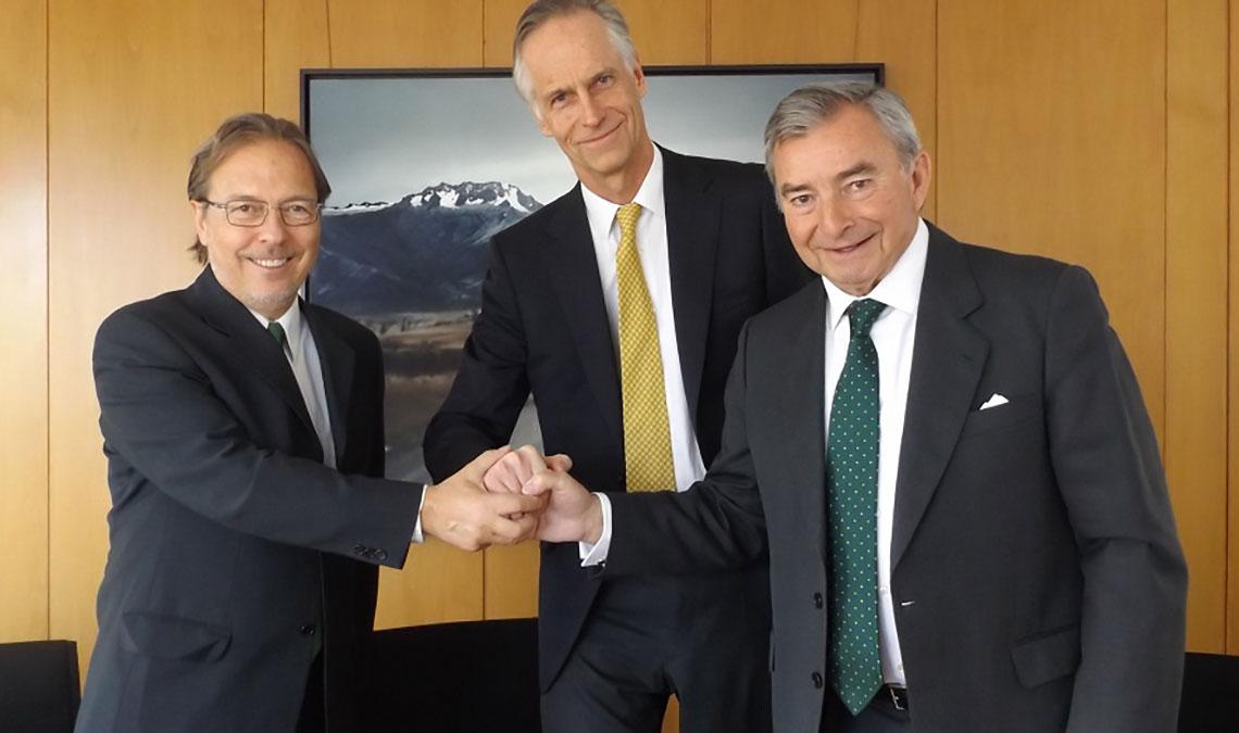 Don Javier, D. Walther von Plettenberg y Dr. Santacreu en la firma