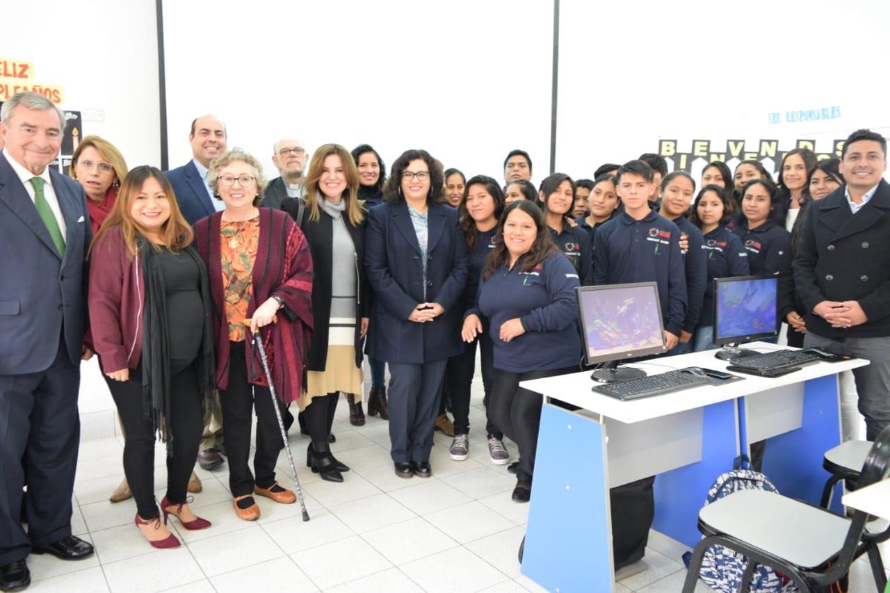 Visita primera dama de Perú