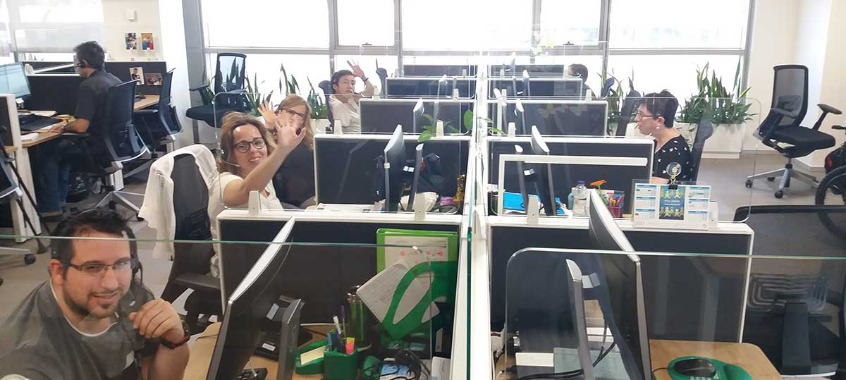 Operadores de Contact Center en el centro de Zaragoza