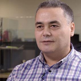 Abdel de DKV Integralia en el call center