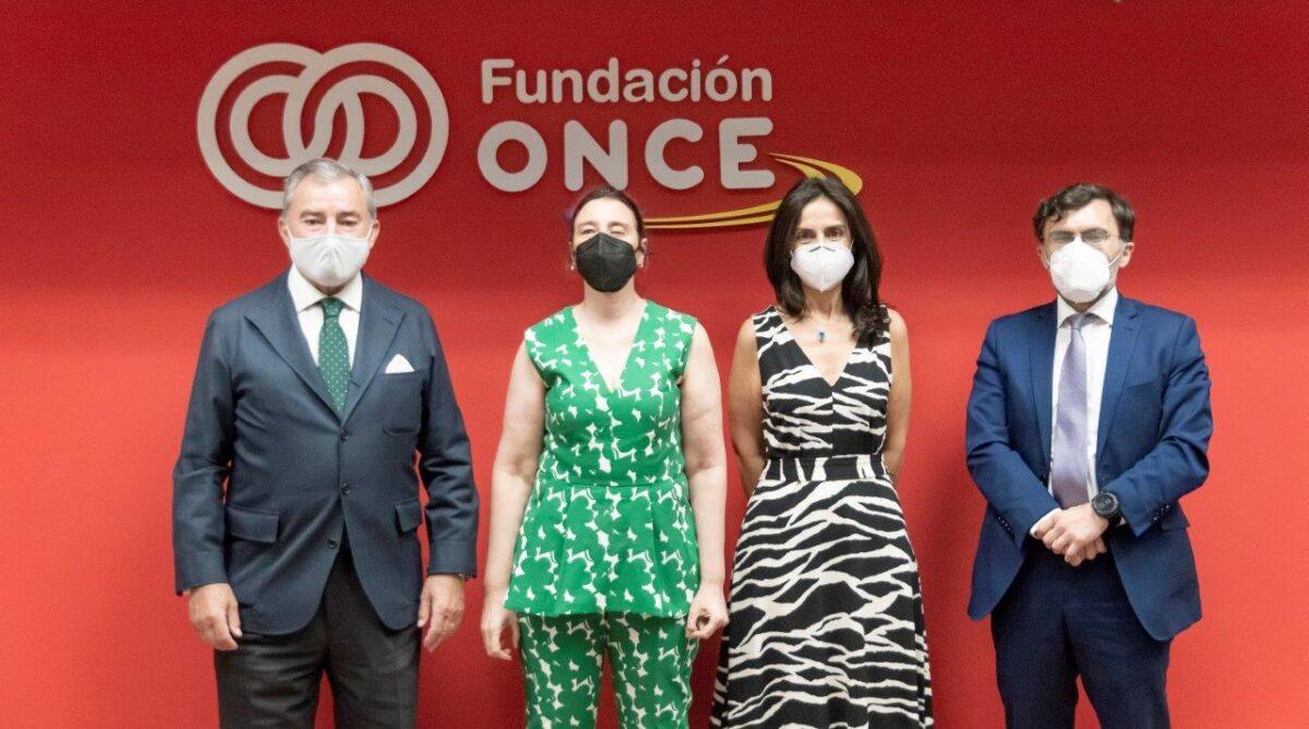 Fundación ONCE e Integralia renuevan su compromiso por la inclusión laboral de personas con discapacidad