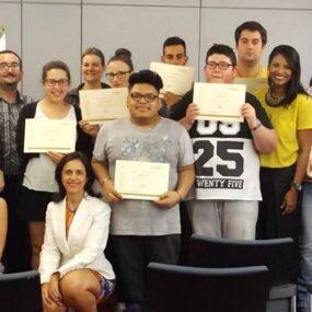 Alumnado de Escuela DKV Integralia finaliza con éxito curso «Atención al cliente con inglés»