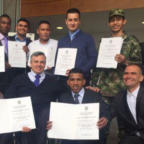 19 militares con diversidad funcional se gradúan con DKV Integralia Colombia
